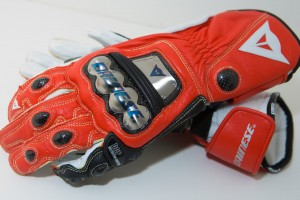 Dainese_racing_gloves