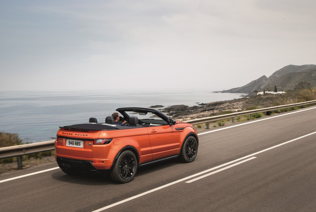 range-rover-evoque-convertible-a-convertible-for-all-seasons-rr_evq_convertible_driving_091115_09_121377