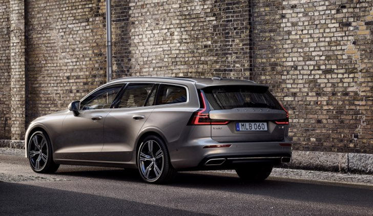 Volvo V60 Cross Country Credits Lulop
