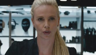 Charlize Theron nei panni di Cypher in un fotogramma di Fast Furious 8 Credits Universal Pictures